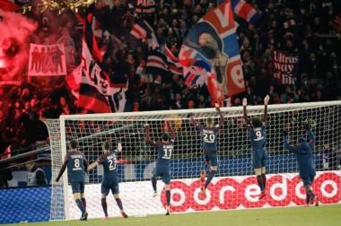 Con goles de Mbappé, Cavani y uno en propia puerta de Rolando, PSG venció 3-0 al Olympique de Marsella.
