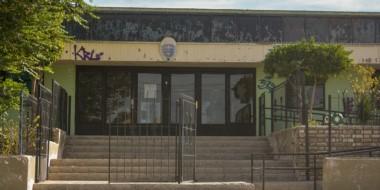 Escuela 40. Uno de los establecimientos afectados en donde la Cooperativa Eléctrica cortó el servicio.