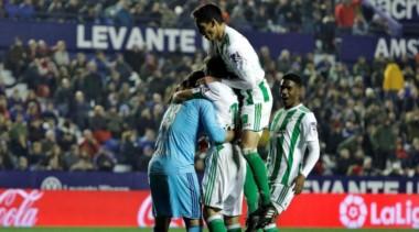 """El triunfo del Real Betis los dejó a las puertas de la zona """"europea""""."""
