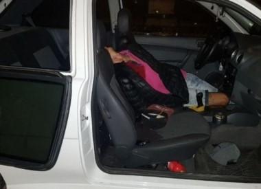 Un oficial de la PSA mató a balazos a uno de los tres delincuentes que, con un arma de juguete, pretendieron robarle el auto.