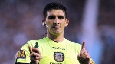 Uno de los árbitros más cuestionados de la última fecha dirigirá a Boca ante Argentinos .