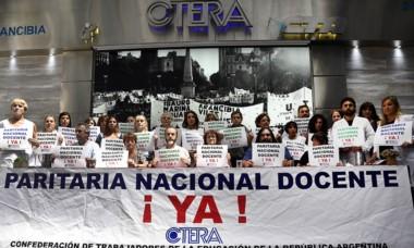 Sonia Alesso y miembros de CTERA en la conferencia de prensa de ayer.