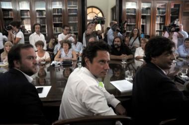 La tercera no fue la vencida. El ministro de Educación bonaerense, Gabriel Sánchez Zinny, junto a su par, de Asuntos Públicos,Federico Suárez. Enfrente, Petrocini (FEB), Baradel (Suteba) & Cía.