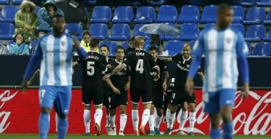 Con este resultado, Sevilla se mete en puestos de Europa League y hunde más a Málaga.