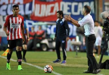 "En Uruguay, el cotejo finalizó sin goles. En aquel entonces, Bernardi era el DT del ""Pincha""."