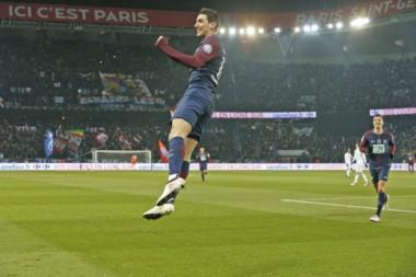 Con dos de Di María y uno de Cavani, PSG goleó 3-0 al Marsella.