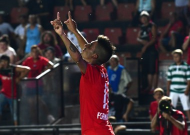 Con gol de Leandro Fernández, de penal, Independiente le ganó a Colón en Santa Fe.