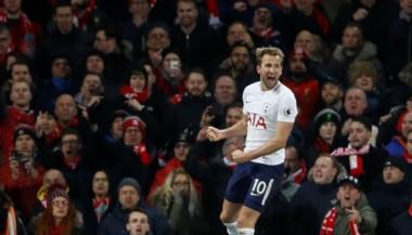 Kane salvó al Tottenham en el minuto 94, que empató 2-2 contra Liverpool.