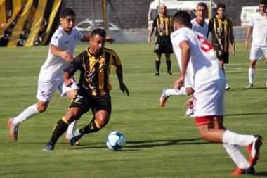 Madryn igualó con Independiente de Neuquén en el inicio de  la fase Reválida. En la próxima tiene fecha libre.