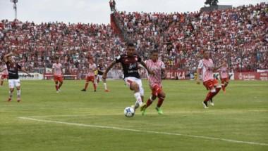 Con un gol de Bieler, San Martín de Tucumán ganó de local y subió a la séptima posición.