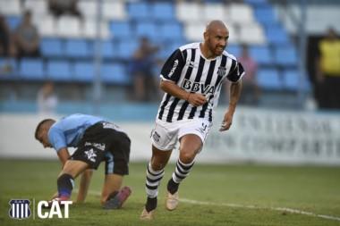 Con el gol del uruguayo Junior Arias a los 34 minutos del primer tiempo, Talleres se impuso ante Temperley.