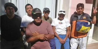 Los operarios desocupados fueron hasta la Municipalidad de Esquel para hablar con el intendente.