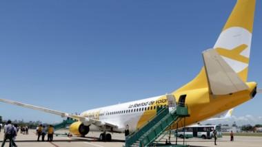 Un avión de Flybondi dejó las valijas en tierra y se las envió a los pasajeros un día después.