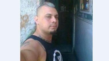 El hombre que atacó a Superuva no era un seguidor habitual. Se llama Cristian Ariel Genez, le dicen el Largo. Algunos lo vinculan a Los Obelos, un grupo de punks nacido en los '90.