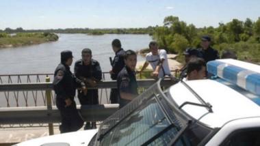 Madre, hija y sobrina fueron arrastradas por aguas del río Dulce en límite de Salavina con Avellaneda.