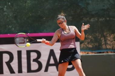 Paula Ormaechea venció a la brasileña Nathaly Kurata por 7-5 y 6-0 y puso 1-0 arriba al equipo argentino de Copa Federación.