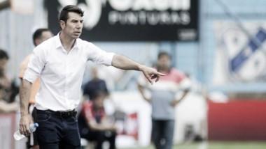 """El """"Gato"""" Esmerado sabe lo difícil que será enfrentar a Boca y en La Bombonera."""