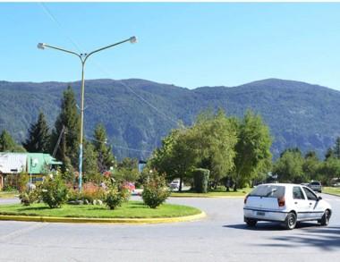 La pintoresca localidad de la Comarca Andina espera.