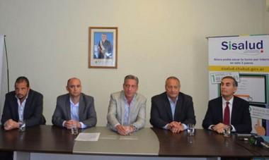 El gobernador Mariano Arcioni encabezó junto al ministro Hernández la presentación del programa de Salud.
