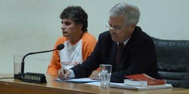 Gustavo Servera junto a su defensor, quien se opuso a la prisión preventiva, ya que no hay riesgo de fuga.