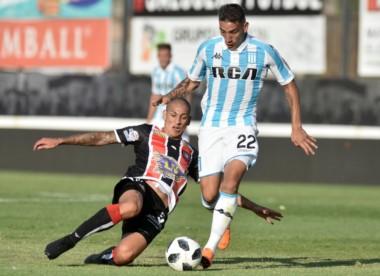 Racing no consiguió extender su racha de triunfos y con el empate quedó a 11 puntos del líder Boca en la Superliga.