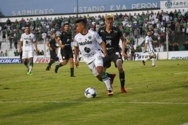 Con goles de Álvarez y Barranco, Ferro se quedó con los tres puntos venciendo 2-1 a Sarmiento.