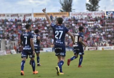 Unión volvió al triunfo con un doblete de Franco Soldano, segundo artillero de la Superliga.