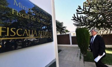 Entrada. El jefe de fiscales estuvo temprano en el despacho de Gélvez para pedir que se investigue la filtración del oficio del juez Sergio Piñeda.