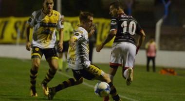 Instituto, que venía de tres victorias seguidas, fue derrotado 1-0 por Santamarina, que llevaba siete sin ganar.
