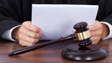 La cifra total abarca a jueces y funcionarios de los poderes judiciales nacionales y provinciales que no se encuentran incluidos en el pago del impuesto de acuerdo a la ley 20.628 del ´73.