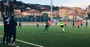 """Los chicos del """"Azzurro"""" jugaron su primer partido en Italia frente al Milan, y mañana juegan ante UYSS."""