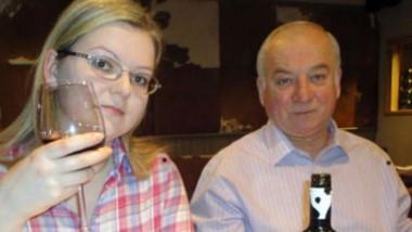 Yulia, en una foto familar junto a su padre. Su recuperación podría ser fundamental para explicar qué pasó.