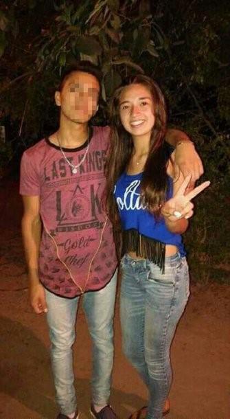 Gisella junto a un amigo. (Facebook)