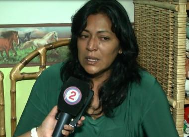 Sonia Barrera, de 35 años, madre de dos niñas, dijo ser desde hace tiempo víctima de violencia de género ejercida por su ex marido César David Leopoldo Suárez, de 38.