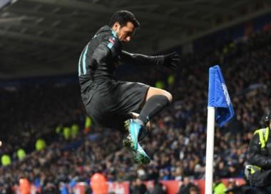 Tras empatar 1-1 en los 90 minutos, Pedro le dio la victoria para el 2-1 final ante Leicester en tiempo suplementario.