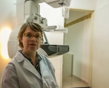 Norma Quintas, jefa de Mamógrafo del Hospital Materno Infantil