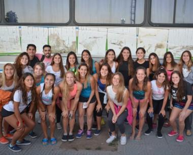 La delegación partió ayer rumbo a Neuquén en micro desde el playón de La Anónima de la calle Colombia.