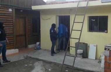 El diligenciamiento judicial tuvo lugar en Kilómetro 8 de la ciudad petrolera, informó la Jefatura de Policía.