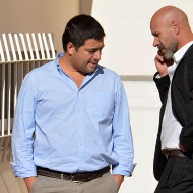 Cuidados. Williams (izquierda) junto con su colega Omar Rodríguez.