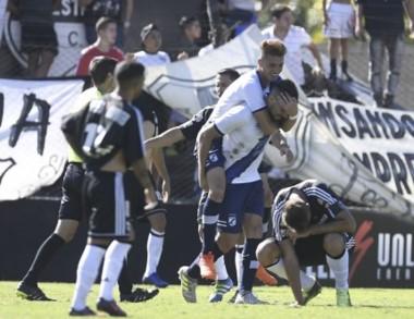 Brown rescató un punto sobre la hora y Riestra es el primer descendido de la B Nacional.