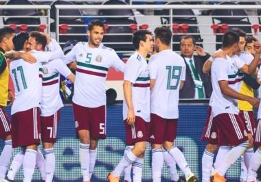 Fabián y Layún dan a México victoria de 3-0 sobre Islandia.