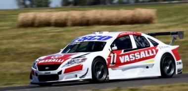 Néstor Girolami ganó su primera carrera desde su retorno al país y lo hizo en su provincia en el Autódromo de Río Cuarto.