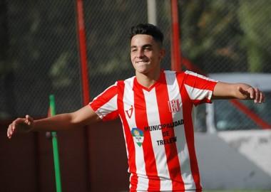 Rodrigo Ríos festeja su gol en la Villa Deportiva.