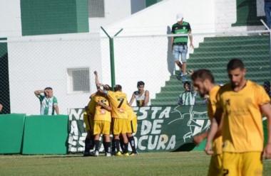 Flandria le ganó a Estudiantes en San Luis y lo puso en situación complicada.