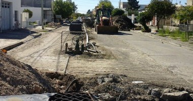 En marcha. El municipio de a poco resuelve viejos reclamos de los vecinos de la ciudad con los servicios.