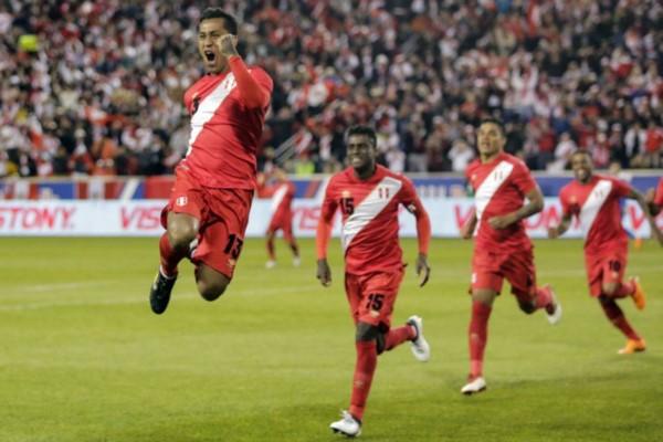 La selección de Gareca derrotó 3-1 a Islandia con goles de Tapia, Ruidíaz y Farfán. Dos victorias en dos partidos en la gira del equipo peruano.