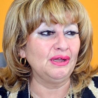 Tempranera. Ana Llanos avisó que quiere el despacho principal.