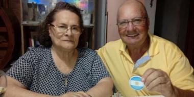 Bandera. En su visita a Trelew, Sonia recibió el afecto de familiares y amigos