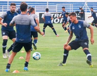 Hugo Barrientos asumió el lunes pasado como técnico de Guillermo Brown. Hoy tiene su primer partido.