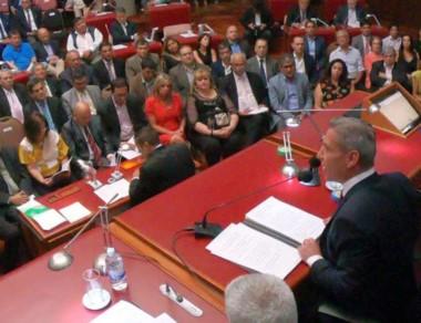 Los intendentes que acompañaron al gobernador en la Legislatura.